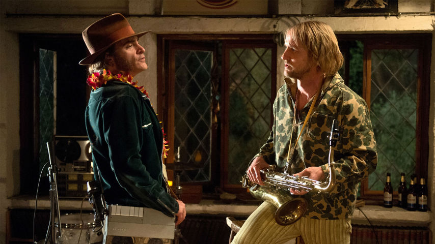 "Szene aus ""Inherent Vice"" © Warner Bros. Pictures Germany"